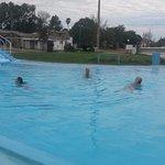 Espectaculares piletas a distintas temperaturas, con toboganes y para nadar, cubiertas y abierta