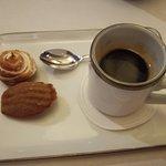 Preview maart 2017: Espresso van Sulawesi Kalossi, tarte cassis, Madeleine orange