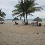Photo de Beach Placid Resort, Restaurant and Bar