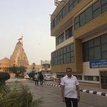 Proximity to the Somnath temple is its highest plus point .Reasonable,clean and having basic ame