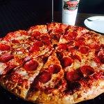 Lamppost Pizza resmi