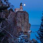 Full Moon rising at Split Rock
