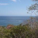 Esta es la vista al mar que se tiene desde el hostal