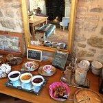 Petit dejeuner Buffet avec produits maison et locaux