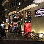 Happy Bar & Grill Foto
