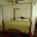 Four poster bed.