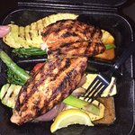 Salmon with 2 sides: grilled vegetables and grilled zucchini