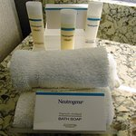 King One Bedroom Suite - Neutrogena Toiletries