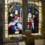Later stained glass window depicting Catesby of gunpowder plot fame
