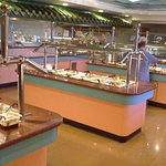 Super Buffet .... lots of dishes to choose from .... fresh food ...