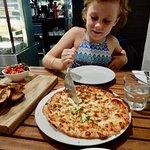 Bruschetta & Garlic & Chees Pizza - Yummo😊