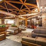 Champions Lobby Bar & Diner