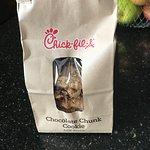 Bag of 6 chocolate chunk cookies