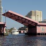 Fort Lauderdale waterway © Robert Bovington