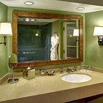 Fairmont Room Bathroom