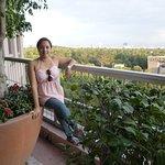 Terraza del hotel se puede ver el Auditorio Naciona, Bosque de Chapultepec y la CDMX