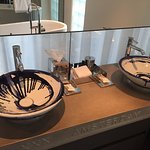 Delft blue sink and the Amsterdam logo are great details