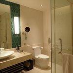 Photo de Renaissance Phuket Resort & Spa
