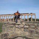 مدينة قورينا او شحات مدينة تاريخية رائعة جدا من الحضارة الاغريقية في شرق ليبيا في اعلى قمة الجبل