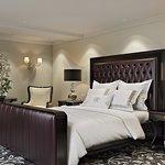 HOTEL RETLAW | CLASSIC KING GUEST ROOM