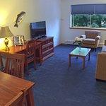 Foto de Frontier Suites Airport Hotel