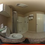 360 View of the bathroom with the camera on the counter
