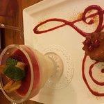 Panna cotta aux fruits rouges et cannelé