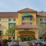 Photo de La Quinta Inn & Suites Santa Clarita - Valencia