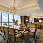 Valley Wing Presidential Suite