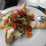 Una gran ensalada bien presentada, fresquta, de calidad. Nos gustó en todos los aspectos.