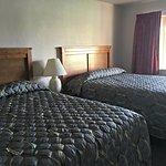 Shoreland Motel