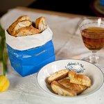 Biscotti di Prato, gli originali sono solo nel sacchetto blu!