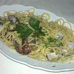 Spaghetti vongole - was very good.