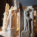 Canadian War Museum , Ottawa. The humming statues.