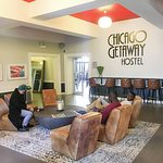 The front lobby of the Chicago Getaway Hostel.