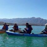 Kayak en el dique Potrerrillos. Fue genial. Nos pudimos meter gracias al traje que nos dieron.