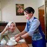 Saat menikmati breakfast, dan dilayani dengan ramah oleh waitress mb Fitri