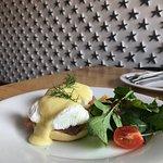 Breakfast Special - Ham Egg Benedict*