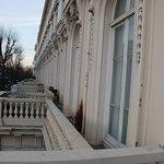 Photo de Hyde Park Executive Apartments