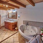 Ejemplo baño Suite Superior/ Example Toilette Suite Superior/ Beispiel Badezimmer Suite Superior