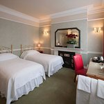 Spacious Twin Bedded rom with en suite