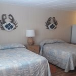 Vineyard Harbor Motel Photo