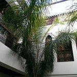Atrium / Palmeninnenhof / Balustrade mit Gästezimmern