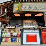 Яркое место привлекающее внимание еще и вкуснейшей кухней и разнообразием блюд!