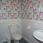 bathroom room 11