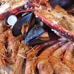 Segunda bandeja de marisco del menú mariscada