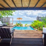 Beach Front Plunge Pool Cottage with ocean view