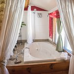 Jetted Tub in Monte Cristo Room