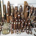 Vele bommen, en ander materiaal te zien