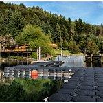 Desde el muelle, hay actividades acuaticas en verano (no para nadares agua de deshielo)